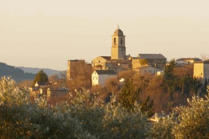 Das Dorf Mormoiron