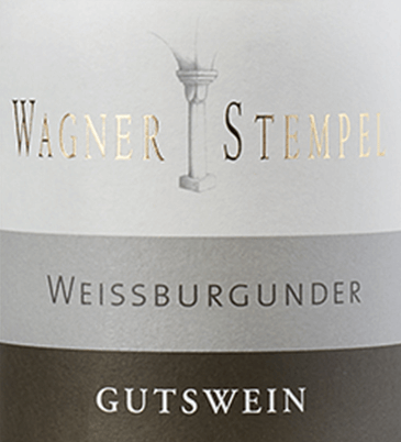 The Weissburgunder trocken from Wagner-Stempel from the German wine-growing region of Siefersheim in Rheinhessen is a pure, animating and fresh white wine made exclusively from organically grown grapes. In the glass this wine shimmers in a clear light yellow with greenish highlights. The filigree bouquet reveals wonderful aromas of yellow apples, juicy pears and ripe quinces - accompanied by floral nuances. Stimulatingly juicy and clear, this German white wine presents itself on the palate. It reflects the floral notes and the ripe stone fruit of the nose. A ripe acidity frames the palate, giving this wine its balance. A certain pressure, a slight creaminess and a good finish round off the Wagner stamp Weißburgunder perfectly. Vinification of the Wagner-Stempel Pinot Blanc The Pinot Blanc grapes from organic farming come from different locations of the Siefersheim vineyards. The soil is characterised by predominantly sandy to stony loam with porphyry weathered rock in the subsoil. In the vineyards the grapes are harvested by hand and already selected. In the wine cellar of Wagner-Stempel the must is first fermented in stainless steel tanks. This is followed by aging both in stainless steel tanks and in traditional German oak barrels. Food recommendation for the Weißer Burgunder Wagner-Stempel Enjoy this dry white wine from Germany with pork medallions with spinach in a creamy sauce or also with zucchini fish pan.