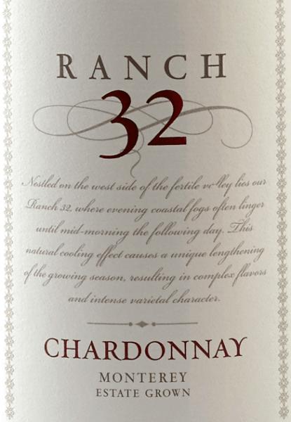 Der Ranch 32 Chardonnay von Scheid Vineyards erstrahlt in einem hellen Goldgelb. Das ausdruckstarke Bouquet präsentiert sich mit wundervollen Aromen nach Granny-Smith Äpfeln und frisch aufgeschnittener Limette - abgerundet wird dieser frische Eindruck von Nuancen an Muskatnuss und Bourbon-Vanille. Auch der Gaumen erfreut sich an der Aromenvielfalt aus dem Bouquet. Das Finale dieses kalifornischen Weißweines ist unvergesslich harmonisch sowie lang. Speiseempfehlung für den Scheid Vineyards Ranch 32 Chardonnay Genießen Sie diesen kalifornischen Weißwein zu einer feinen Spargelcremesuppe, gegrillten Fisch mit Zitronen-Kräuter-Sauce oder auch zu Perlhuhn mit geschmorten Gemüse.