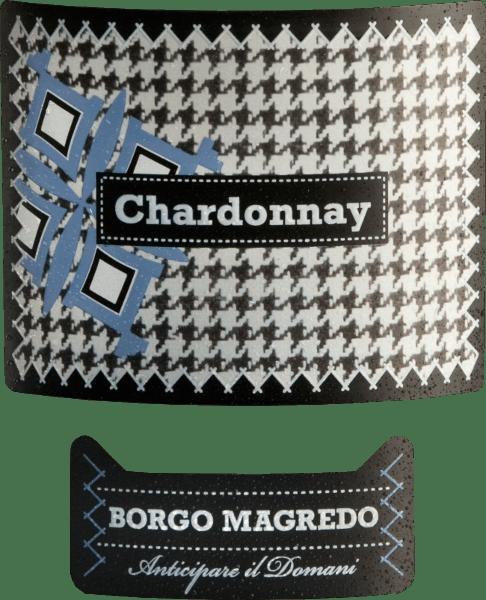 Der Chardonnay von Borgo Magredo zeigt sich strohgelb mit leichten grünen Spiegelungen im Glas. Das ansprechende Bouquet offenbart Noten nach Wiesenblumen und frischen Kräutern sowie Aromen nach reifen Äpfeln und saftigen Pfirsichen. Dieser italienische Weißwein verfügt über einen gut strukturierten Körper und ist wunderbar harmonisch am Gaumen. Im Geschmack sind erneut Apfelnoten zusammen mit Haselnuss-Aromen wahrzunehmen. Vinifikation des Borgo Magredo Chardonnay Das Trauben werden entrappt, gemahlen und die daraus entstandene Maische nach einer kurzen Standzeit ausgepresst. Der daraus entstandene Most wird einer temperaturkontrollierten Gärung in Edelstahltanks unterzogen, wo dieser Wein bis zur Abfüllung abrundet. Speiseempfehlung für den Chardonnay von Borgo Magredo Dieser trockene Weißwein aus Italien ist der ideale Speisebegleiter zu frischen Salaten und Speisen aus der mediterranen Küche.