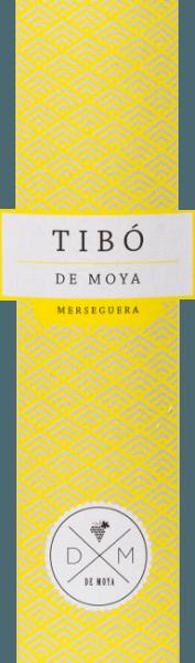 Aus den Rebsorten Merseguera (80%) und Moscatel (20%) wird die wunderschöne, spanische Weißwein-Cuvée Tibó Merseguera von Bodega de Moya vinifiziert. Der WinzerYves Laurijssens widmet die Weißweineeinem Mann aus seiner Familie oder seinem engsten Bekanntenkreis - dieser Wein ist für seinen Sohn Tibó. Ein strahlendes Strohgelb mit goldgelben Reflexen zeigt sich bei diesem Wein im Glas. Die ausdrucksstarke Nase ist von floralen Noten nach Orangenblüte und Akazienblüte geprägt. Dazu gesellen sich frische Zitrusfrüchte, Ananas, etwas Mango und sowie feine Nuancen nach Haselnüssen. Der Gaumen wird von einer guten Struktur und einer frischen, runden Persönlichkeit verwöhnt. Der Nachhall wartet mit frischen Fruchtnoten auf. Vinifikation desTibó Merseguera De Moya Von ca. 25 Jahre alten Rebstöcken, in 1050 m Höhe ü.d.M., stammen dieMersegura-Trauben undMoscatel-Trauben. Am frühen Morgen beginnt die manuelle Lese in 15 kg Kisten. In den Weinbergen wird auch gleich die Selektion des Leseguts vorgenommen. Sind die Trauben in der Weinkellerei angekommen, werden diese zunächst für 24 Stunden bei 4 Grad Celsius gekühlt. Auch die Mazeration beträgt 24 Stunden. 85% des Mosts wird bei kontrollierter Temperatur in Edelstahlwannen vergoren. Die restlichen 15% werden in französischen Eichenfässern fermentiert. Der Wein reift für insgesamt 4 Monate auf der Hefe. Speiseempfehlung für denTibó De Moya Diego Merseguera Genießen Sie diesen trockenen Weißwein aus Spanien als erfrischenden Aperitif, zu allerlei Sushi-Variationen oder weiteren Speisen der asiatischen Küche.