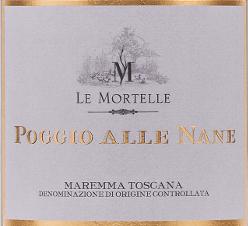 """Der Poggio alle Nane Maremma Toscana DOC von Le Mortelle präsentiert sich intensiv Rot im Glas. An der Nase besticht dieser Rotwein mit einem komplexen und eleganten Bouquet. Würzige Noten von Vanille und süßer Parika harmonisieren perfekt mit Aromen von Waldbeeren, Brombeeren, delikaten Mittelmeerkräutern und Lavenel. Am Gaumen seidig und von guter Struktur, weiche, ausgewogene Tannine, vollmundig und körperreich. Das Finale ist nachhaltig lang und harmonisch mit Nuancen von Schokolade, Heidelbeere und Lakritz. Vinifikation des Poggio alle Nane Maremma Toscana DOC von Le Mortelle Für diese Spitzen-Cuvée von Le Mortelle werden Cabernet Franc, Cabernet Sauvignon und Carmènére zusammen vinifiziert. Nach der sorgfältigen manuellen Lese werden die Trauben vor der Entrappung und sanften Pressung nochmal selektiert. Der Most wird dann mit Hilfe der Schwerkraft in konische Edelstahltanks gefüllt, in denen bei kontrollierter Temperatur von 28°C die alkoholische Gärung stattfindet, sowie die Mazeration über 20 Tage. Nach dem Abzug von den Schalen wird der Wein in Barriques aus französischer Eiche umgefüllt, in denen die malolaktische Gärung bis Ende des Jahres vollständig vollzogen wird. Im Anschluß wird der Poggio alle Nane 16 Monate in denselben Barriques ausgebaut. Nach der Abfüllung reift der Wein noch weitere 10 Monate in Flaschen bevor er in den Verkauf kommt. Der Name Poggio alle Nane stammt von dem Ort, in dem sich die Weinberge befinden, nahe einem noch heute exisitierenden Hügel und kleinen See. Hier wurden ursprünglich Enten gezüchtet, die lokal als """"Nane"""" bezeichnet wurden. Der Poggio alle Nane Maremma Toscana wird in limitierter Menge produziert und ist bis 15 Jahre lagerfähig. Speiseempfehlungen für den Poggio alle Nane Maremma Toscana DOC von Le Mortelle Ein raffinierter, komplexer roter Terroir-Wein aus dem Süden der Toskana, schöner Begleiter zu Fleischgerichten aller Art, Braten, Wild, würzigen Käsesorten, aber auch ein Genuß solo am Kamin. Wir empfehlen, d"""