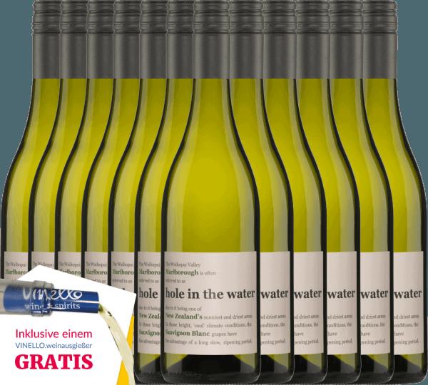 Der Hole in the Water Sauvignon Blanc von Konrad Wines besitzt eine wundervolle Harmonie zwischen den frischen Aromen und der lebhaften Säure. Die Nase und der Gaumen werden von Noten nach Stachelbeeren, frisch geschnittenem Gras und tropischen Früchten verwöhnt. Genießen auch Sie jetzt diesen neuseeländischen Weißwein mit unserem 12er Vorteilspaket. Mehr Informationen zu diesem Wein aus Neuseeland finden Sie bei dem Einzelartikel des Konrad Wines Sauvignon Blanc Hole in the Water.