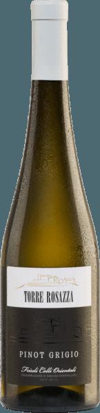 Der Pinot Grigio von Torre Rosazza zeigt sich in einer strohgelben Farbe mit goldenen Reflexen. Dieser italienische Weißwein erfüllt die Nase mit einem ausgeprägten Blumenduft, der sich weiterentwickelt in Fruchtnoten mit Anklängen nach reifen Birnen, Pfirsichen und Äpfeln. Am Gaumen ist dieser Wein weich, schmeichelnd und beeindruckt mit einem sehr guten Körper und einem angenehmen, filigranen Säurespiel, das für jede Menge Frische sorgt. Insgesamt ist dies ein herrlich ausgewogener Weißwein von schöner Nachhaltigkeit. Vinifikation desTorre RosazzaPinot Grigio Die manuell geernteten Trauben des Weingutes Torre Rosazza werden entrappt, gemahlen und die daraus entstandene Maische nach einer kurzen Standzeit ausgepresst. Der daraus entstandene Most wird einer temperaturkontrollierten Gärung in Edelstahltanks unterzogen. Nach Abschluss der Gärung ruht der Wein sechs Monate in den Stahltanks und für weitere zwei Monate in der Flasche. Speiseempfehlung für den Pinot Grigio Torre Rosazza Dieser trockene Weißwein aus Italien harmoniert wunderbar mit Suppen, Vorspeisen mit Fisch, herzhaften Fischgerichten wie Thunfisch und Speisen mit weißem Fleisch. Auszeichnungen für denPinot Grigio von Torre Rosazza Gambero Rosso: 3 Gläser für 2016 Berliner Wein Trophy: Gold für 2016 Decanter Awards: Gold für 2016 Mundus Vini: Silber für 2016