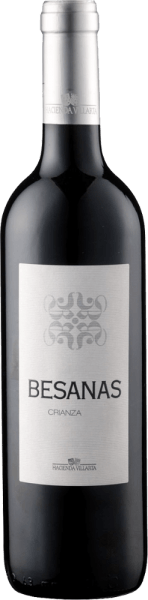 Der Besanas Crianza DO von Hacienda Villarta präsentiert sich im Glas in einem kräftigen Rubinrot und verzückt mit seinen herrlichen Aromen von reifen und dunklen Beeren, welche untermalt werden von feiner Vanille und Kaffee. Diese Cuvée aus Cabernet Sauvignon und Tempranillo lässt am Gaumen wieder die Noten der Beerenfrüchte erkennen, die Würze von Kräutern und Kaffee verleihen diesem Wein eine ganz besondere Spannung. Der Körper dieses spanischen Weines ist voll und weich und der lange Nachhall macht Lust auf einen weiteren Schluck. Vinifikation des Besanas Crianza DO von Hacienda Villarta Der Reifungsprozess für diese Cuvée findet in Holzbottichen aus französischer und amerikanischer Eiche für 20 Monate bei natürlicher Temperaturkontrolle statt. Speiseempfehlung für den Besanas Crianza DO von Hacienda Villarta Genießen Sie diesen trockenen Rotwein zu Pasta mit Tomatensauce, kräftigen Gerichten von Schwein und Rind, gegrilltem Fleisch, Lamm und Wild oder zu kräftigem Hartkäse. Auszeichnungen für den Besanas Crianza DO von Hacienda Villarta Asia Wine Trophy: Gold (Jahrgang 2011) Berliner Winetrophy: Gold (Jahrgang 2009) Mundus Vini: Silber (Jahrgang 2009) Guia Penin: 87 Punkte (Jahrgang 2009)