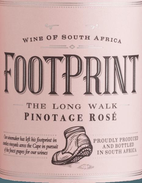 Der Footprint Pinotage Rosé von African Pride leuchtet im Glas in einem wundervollen Lachsrosé. Bei diesem südafrikanischen Rosé steht ganz klar das Beerenobst im Vordergrund. Die Nase und der Gaumen werden von kräftigen Aromen nach saftigen Himbeeren und reifen Erdbeeren verwöhnt. Hinzukommen feine Nuancen von Brombeere und Cranberry. Dieser trockene Roséwein überzeugt mit seiner fruchtigen, eleganten Persönlichkeit und der ansprechenden Säurestruktur. Speiseempfehlung für den Footprint Rosé Dieser Roséwein aus Südafrika ist ein wahrer Genuss zu Carpaccio, spanischen Tapas - egal ob warm oder kalt - und auch zu glasiertem Lachs mit knackigem Gemüse.