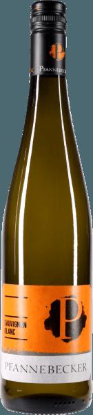 Der Sauvignon Blanc von Pfannebecker ist nicht nur BIO und Vegan, sondern zeigt sich auch mit wunderschöner, hellgelber Farbe im Glas. In der Nase kommen kräuterige Noten von Lavendel, Buchsbaum und Salbei, aber auch saftige Birne, Stachelbeere und eine Nuance Paprika zum Vorschein. Am Gaumen ist der Sauvignon Blanc von Pfannebecker knackig und frisch. Dieser herrlich vitale Weißwein aus Rheinhessen begeistert mit knackiger Säure und trockenem Geschmacksbild. Im langen Finale zarte, kräutrige Anflüge und eine feine Mineralik. Genießen Sie diesen Bio-Weißwein von Pfannebecker zu frischen Salaten, Spargelgerichten oder Muscheln. Prämierungen: Falstaff Wein Guide 2017: 89 Punkte für 2015