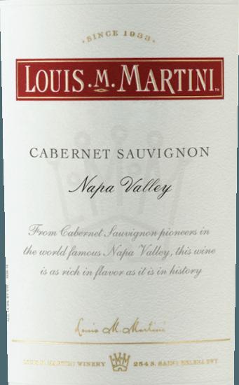 Der Cabernet Sauvignon Napa Valley von Louis M. Martini zeigt sich im Glas in einem Schwarzrot und umschmeichelt die Nase mit den intensiven Noten von Brombeeren, welche von einem Hauch Vanille und Karamell untermalt werden.Dieser Rotwein ist am Gaumen körperreich und wunderbar ausgewogen mit einem ausgesprochen langen Finale. Vinifikation des Louis M. Martini Cabernet Sauvignon Napa Valley Diese Cuvée wurde aus den Rebsorten Cabernet Sauvignon (90%), Petite Sirah (5%), Petit Verdot (4%) und Malbec (1%) vinifiziert.Nach der sorgfältigen Lese wurden die Trauben entrappt und kalt mazeriert. Nach der Fermentation wurde dieser kalifornische Rotwein für 21 Monate in Fässern aus französischer und amerikanischer Eiche ausgebaut. Speiseempfehlung für den Louis M. Martini Cabernet Sauvignon Napa Valley Genießen Sie diesen trockenen Rotwein zu Rinderbraten, Lammkeule mit Zimt und Apfel-Lauch-Kuchen, Pecorino oder Manchego. Auszeichnungen des Louis M. Martini Cabernet Sauvignon Napa Valley Robert Parker - The Wine Advocate: 91 Punkte für 2013 Wine Spectator: 91 Punkte für 2013 Wine Enthusiast: 91 Punkte für 2013