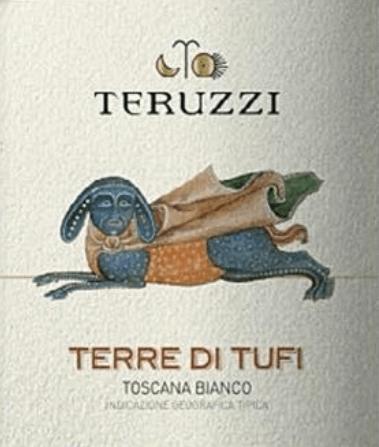 """Kultwein aber kein bißchen abgehoben. Der Terre di Tufi Toscana IGT von Teruzzi spiegelt die ganze Leidenschaft wieder, das Bestreben nach Innovation und hoher Qualität im EInklang mit der Tradition toskanischer Weißweine. Teruzzi kombinierten autochtone Rebsorten mit internationalen Rebsorten und waren damit die Schöpfer des ersten """"White Supertuscan"""". Der elegante, bezaubernde toskanische Weißwein Terre di Tufi zeigt sich leuchtend, von intensiver strohgelber Farbe im Glas. An der Nase entfaltet sich ein intensives, reiches Bukett mit Duftnoten von Quitten, Äpfeln, komplex und lang anhaltend, im Hintergrund schwingt eine angenehme Holznote mit. Am Gaumen zeigt der Terre di Tufi sein geschmackliche Potential. Kräftiger Körper, weich, vollmundig, ausgeprägter Charakter ohne aggressiv zu wirken, im langanhaltenden, nachhaltigen Abgang zarte Röstaromen. Vinifikation des Teruzzi Terre die Tufi Der Wein wird aus sorgfältig ausgewählten Trauben von Vernaccia di San Gimignano, Chardonnay und Sauvignon gekeltert, die auf den gutseigenen Weinbergen um San Gimignano, der Stadt der Tausend Türme, im Herzen der Toskana wachsen. Nach der manuellen Lese, werden die Trauben sanft gepresst und bei kontrollierter Temperatur mit ausgewählten Hefen im Edelstahltank vergoren. Anschliessend wird der Wein für etwa 4 bis 5 Monate in Barrqies ausgebaut, davon 30% neue Fässern und der Rest im zweiten Durchlauf. Das gibt dem Terre di Tufi seinen weichen, geschmeidigen Körper und seine harmonische Fülle. Essen und Wein für den Terre di Tufi von Teruzzi Genießen Sie diesen toskanischen Kultwein zu geschmackvollen Reis- und Nudelgerichten, zu Fisch und Schalentieren, feinem weißen Fleisch und zart gebratenem roten Fleisch. Auszeichnungen Mundus Vini - Silber IWC International Wine Competition - Bronze"""