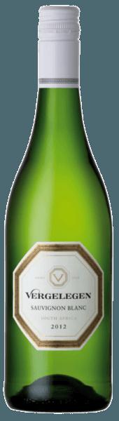 Im Glas präsentiert sich dieser reinsortige Sauvignon Blanc mit einem grünen Schimmer. In der Nase äußerst vielfältig, lässt der Sauvignon Blanc von Vergelegen an Feige, Guave, Passionsfrucht und Grapefruit erinnern. Ein harmonischer und erfrischender Wein voller Leben! Der ideale Begleiter zu Vorspeisen, Spargel oder Ziegenkäse.
