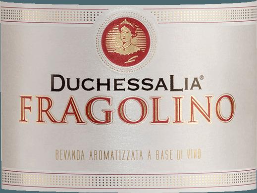 Der leichtfüßige Fragolino Rosso aus dem Hause Duchessa Lia kommt mit brillanter rubinroter Farbe ins Glas. Er präsentiert im Glas herrlich ausdrucksstarke Noten von Lavendeln, Zwetschgen, Pflaumen und Veilchen. Hinzu gesellen sich Anklänge von weiteren Früchten. Der Duchessa Lia Fragolino Rosso präsentiert uns am Gaumen einen unglaublich fruchtigen Geschmack, was natürlich auch auf sein restsüßes Geschmacksprofil zurückzuführen ist. Am Gaumen zeigt sich die Textur dieses leichtfüßigen Weinhaltiges Getränk wunderbar leicht und samtig. Durch seine vitale Fruchtsäure offenbart sich der Fragolino Rosso am Gaumen außergewöhnlich frisch und lebendig. Im Abgang begeistert dieser Fragolino aus der Weinbauregion Piemont schließlich mit guter Länge. Es zeigen sich erneut Anklänge an Zwetschge und Schwarze Johannisbeere. Speiseempfehlung für den Fragolino Rosso von Duchessa Lia Dieser Italiener sollte am besten gut gekühlt bei 8 - 10°C genossen werden. Er eignet sich perfekt als begleitender Wein zu Brombeer-Sahne-Dessert, Holunderblüten-Joghurt-Eis mit Zitronenmelisse oder Bratäpfel mit Joghurtsauce.