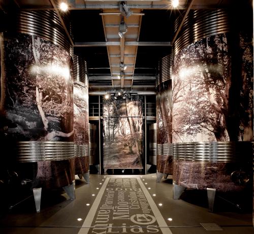 Modernste Technik im Weinkeller von Lagar de Cervera
