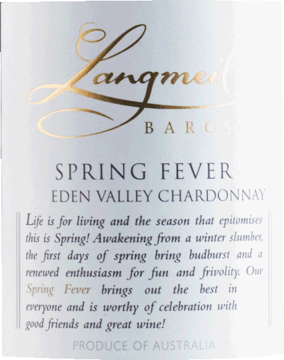 Im Glas präsentiert der Spring Fever Chardonnay Barossa Eden Valley aus der Feder von Langmeil eine brillant schimmernde goldgelbe Farbe. Die Nase dieses Weißweins aus Südaustralien bezaubert mit Anklängen von Zwetschke, Papaya, Schattenmorelle und Guave. Spüren wir der Aromatik weiter nach, kommen, durch den Eichenholzeinfluss gefördert, schwarzer Tee, sonnenwarmes Gestein und Zimt hinzu. Dieser Weiße von Langmeil ist ideal für alle Weinliebhaber, die möglichst wenig Restsüße im Wein mögen. Dabei zeigt er sich aber nie karg oder spröde. Auf der Zunge zeichnet sich dieser leichtfüßige Weißwein durch eine ungemein cremige und dichte Textur aus. Durch seine lebendige Fruchtsäure offenbart sich der Spring Fever Chardonnay Barossa Eden Valley am Gaumen traumhaft frisch und lebendig. Das Finale dieses reifungsfähigen Weißweins aus der Weinbauregion South Australia besticht schließlich mit beachtlichem Nachhall. Vinifikation des Spring Fever Chardonnay Barossa Eden Valley von Langmeil Der elegante Spring Fever Chardonnay Barossa Eden Valley aus Australien ist ein reinsortiger Wein, gekeltert aus der Rebsorte Chardonnay. Nach der Lese gelangen die Weintrauben umgehend in die Kellerei. Hier werden Sie sortiert und behutsam gemahlen. Es folgt die Gärung im Edelstahltank und kleinen Holz bei kontrollierten Temperaturen. Der Vinifikation schließt sich eine Reifung für einige Monate in Fässern aus französischer Eiche an. Speiseempfehlung zum Langmeil Spring Fever Chardonnay Barossa Eden Valley Erleben Sie diesen Weißwein aus Australien idealerweise moderat gekühlt bei 11 - 13°C als begleitenden Wein zu fruchtiger Endiviensalat, Spargelsalat mit Quinoa oder Spaghetti mit Joghurt-Minz-Pesto.