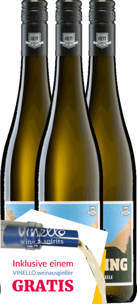 The white wine Leib & Seele from Bergdolt-Reif & Nett is a wonderfully fruity, lively cuvée from the grape varieties Müller-Thurgau, Silvaner, Kerner and Gewürztraminer. Many ripe fruits and a flowery variety of aromas enchant the nose and the palate. With this wine you can look forward to a carefree drinking pleasure. Get now this German white wine in our special 3pack. More information about this white wine from Germany you get at the article Bergdolt-Reif & Nett Leib & Seele feinherb.