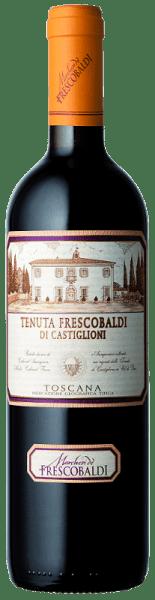 Der Tenuta Frescobaldi di Castiglioni Toscana IGT von Tenuta di Castiglioni präsentiert sich in einer purpurrote Farbe mit violetten Reflexen.Die intensive Nase wird dominiert von Fruchtaromen roter Beeren wie Erdbeeren und Johannisbeeren, gefolgt von angenehm würzigen und balsamischen Noten von Anis und Zimt und einem zarten Hauch von Kakao.Am Gaumen wirkt er lang und anhaltend, getragen von einem schönen Körper. Ein bemerkenswerter Säuregehalt und dichte, gut eingebundene Tannine erfüllen den Mund und münden in einen fruchtbetonten Abgang. Servieren Sie ihn zu geschmortem oder gebratenem Rind, Schweinebraten, Wildgerichten vom Hase und Wildschwein und gut gereiften Käsesorten. Auszeichnungen James Suckling - 93 Punkte Abbildung weicht ab!