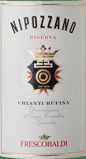 Der Nipozzano Riserva Chianti Rufina DOCG vom Frescobaldi-Weingut Castello di Nipozzano zeigt sich in einem klaren, kräftigen Purpurrot. Das intensive und komplexe Bouquet wird dominiert von blumigen und fruchtigen Aromen wie Himbeere, Brombeere und Heidelbeere, gefolgt von Röst- und Würznoten wie Muskatnuss, Kaffee und Tee. Am Gaumen zeigt sich diese Chianti Riserva von Frescobaldi warm, weich und angenehm würzig mit schön eingebundenen Tanninen. Frisch und elegant gleitet dieser Rotwein aus der Toskana in einen langen und nachhaltigen Abgang. Herstellung des Nipozzano Chianti Rufina Riserva von Frescobaldi Dieser historische Rotwein von Castello di Nipozzano wird hauptsächlich aus Sangiovese und zu kleinen Teilen aus anderen zugelassenen Rebsorten hergestellt. Darunter finden sich traditionelle Trauben, wie Malvasia Nera und Colorino, aber auch Merlot und Cabernet Sauvignon. Der Winter 2014 zeigte sich eher von seiner milden Seite, der ebenfalls milde Frühling sorgte für einen frühen Austrieb der Reben. Der besonders frische Sommer mit gut verteilten Niederschlägen bremste die Reben in ihrem Wachstum gut ein. Ende Juli und in der ersten Augustwoche verzeichnete Castello di Nipozzano besonders hohe Temperaturen, was dem Farbumschlag der Trauben für den Nipozzano Chianti Rufina Riserva einleitete. Der Temperaturunterschied zwischen Tag und Nacht begünstigten zudem die Reife. Das sehr gute Wetter im September garantierte eine ausgewogene Reifung, was gesunde Trauben bester Qualität hervorbrachte. Nach der Maischegärung mit häufigem Unterheben der Schalen, folgt der Ausbau zur Riserva über 24 Monate, teilweise in Holzfass, teilweise in Edelstahltank. Speiseempfehlung für den Nipozzano Riserva Chianti Rufina von Frescobaldi Wir empfehlen diesen Spitzenrotwein des Frescobaldi Prestige-Weingutes Castello di Nipozzano zu rotem Grillfleisch, Lammbraten und gereiftem Pecorino. Prämierungen für den Nipozzano Chianti Riserva Mundus Vini: Gold & Best of Show Chianti Robert Par