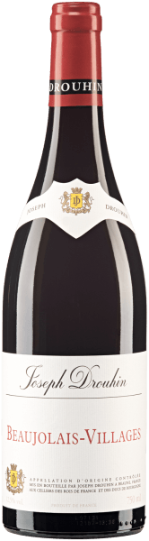 Der elegante Beaujolais Villages aus der Feder von Joseph Drouhin schimmert mit leuchtendem Hellrot ins Glas. Das Bukett dieses Rotweins aus dem Burgund zieht in den Bann mit Anklängen von Maulbeere, schwarze Johannisbeere, Brombeere und Heidelbeere. Spüren wir der Aromatik weiter nach, kommen Bitterschokolade, Zimt und Vanille hinzu. Der Joseph Drouhin Beaujolais Villages präsentiert sich dem Wein-Genießer angengehm trocken. Dieser Rotwein zeigt sich dabei nie grobschlächtig oder karg, sondern rund und geschmeidig. Ausgeglichenen und facettenreich präsentiert sich dieser seidige und fleischige Rotwein am Gaumen. Im Abgang begeistert dieser Rotwein aus der Weinbauregion Burgund schließlich mit schöner Länge. Erneut zeigen sich wieder Anklänge an Maulbeere und schwarze Johannisbeere. Im Nachhall gesellen sich noch mineralische Noten der von Granit dominierten Böden hinzu. Vinifikation des Joseph Drouhin Beaujolais Villages Dieser balancierte Rotwein aus Frankreich wird aus der Rebsorte Gamay hergestellt. Die Trauben wachsen unter optimalen Bedingungen im Burgund. Die Reben graben hier ihre Wurzeln tief in Böden aus Granit. Nach der Handlese gelangen die Trauben auf schnellstem Wege ins Presshaus. Hier werden sie sortiert und behutsam aufgebrochen. Es folgt die Gärung im bei kontrollierten Temperaturen. Nach dem Ende der Gärung . Speiseempfehlung zum Joseph Drouhin Beaujolais Villages Trinken Sie diesen Rotwein aus Frankreich am besten temperiert bei 15 - 18°C als Begleiter zu Lammragout mit Kichererbsen und getrockneten Feigen, Gänsebrust mit Ingwer-Rotkohl und Majoran oder Gemüse-Couscous mit Rinderfrikadellen.