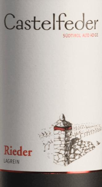 Der Lagrein Rieder von Castelfeder ist ein wundervoller, rebsortenreiner Wein, der im Glas in einer intensiven rubinroten Farbe leuchtet. Das weite, vielschichtige, ausgeprägte Bouquet verströmt den unverwechselbaren Duft nach Waldbeeren und Veilchen. Am Gaumen entfaltet sich ein warmes, anhaltendes, harmonisches Gefühl. Der samtig-runde Abgang stützt sich auf feinkörnige Tannine und ein ansprechende Säure. Speiseempfehlung für den Lagrein Rieder von Castelfeder Wir empfehlen Ihnen diesen trockenen Rotwein aus Italien zu kräftigen Speisen, Braten- und Wildgerichten sowie zu würzigen Käsesorten.
