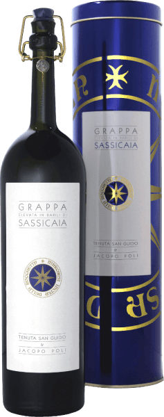 Grappa Elevata in Barili di Sassicaia from Jacopo Poli is an elegant, warm and spicy grappa distilled from Cabernet Sauvignon and Cabernet Franc marc. In the glass this grappa shimmers in an appealing golden tone with amber reflections. The spicy bouquet is dominated by aromas of cedar wood, vanilla, cinnamon, cocoa and coffee. This is accompanied by fine hints of candied fruit, some honey and floral accents of jasmine. Very powerful and with good structure as well as soft fullness, this Italian grape marc spirit skilfully captures the palate. An aroma typical of the grape variety with fine fruit and herb notes merges with the notes of the nose to form a warm, spicy overall picture. The finish has a good, pleasant length and a hint of liquorice and aniseed. Distillation of Poli Grappa Elevata in Barili di Sassicaia This grappa is a collaboration of Marchese Nicoló Incisa della Rocchetta and Jacopo Poli. The two grape varieties (Cabernet Sauvignon and Cabernet Franc) are fermented on the skins for two weeks. The mash is then gently pressed and the skins and seeds are immediately placed in the copper kettle. The still fresh pomace is traditionally distilled in old copper kettles. After distillation, this grappa still has 75 % by volume. By adding distilled water, this grappa has an alcohol content of 40% by volume. Afterwards this Grappa rests for 4 years in barriques from French oak and another year in old Sassicaia barrels, in order to be filled finally gently filtered on the bottle. Serving suggestion for the Grappa Elevata in Barili di Sassicaia Jacopo Poli Enjoy this exquisite, barrel-matured grappa at a temperature of 18 to 20 degrees Celsius on a cosy evening in front of the fireplace with a mild cigar.