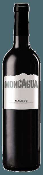 Der Malbec Moncagua von Belasco de Baquedano erstrahlt in einem strahlenden Rubinrot. Die fruchtbetonte Nase entwickelt Aromen von roten Beeren. Im Geschmack zeigen sich Noten von Pflaume und reifen Beeren. Im Abgang am Gaumen präsentiert er sich angenehm und ausgeglichen.