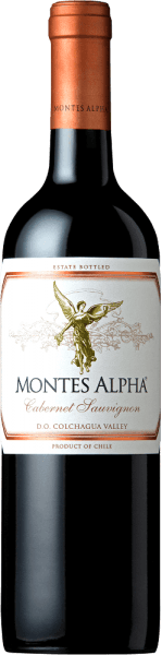Der Montes Alpha Cabernet Sauvignon ist eine wundervolle Rotwein-Cuvée aus Cabernet Sauvignon (90%) und Merlot (10%). Im Glas erfreut dieser chilenische Rotwein mit einer kräftig rubinroten Farbe.Das elegante, komplexe und intensive Bouquet entfaltet kräftige Aromen nach Veilchen und roten Früchten - insbesondere Herzkirsche - sowie Noten nach Brombeere, Schokolade und schwarzem Pfeffer mit einem Hauch Zigarrenbox. Vanille-, Karamell- und Kaffeenoten der Eichenholzreife komplettieren die Aromen der Nase. Am Gaumen überzeugt dieser finessenreiche und ausgezeichnete Rotwein aus Chile mit einer wunderbaren Balance, einer großartigen Struktur, einem mittleren Körper sowie festen und runden Tanninen. Dieser Rotwein schließt mit einem langen und anhaltenden Nachhall. Vinifikation des Cabernet Sauvignon Montes Alpha Magnum Sowohl die Cabernet Sauvignon als auch die Merlot Trauben werden von Hand bei optimaler Reife gelesen. Nach der vollständigen Entrappung werden die Trauben getrennt voneinander eingemacht und vergoren. Nach der alkoholischen Gärung folgt eine ausgedehnte Maischestandzeit. Dadurch erhält dieser Rotwein seine kräftigen Aromen, intensive Farbe und herrlichen Tannine. Der Ausbau für diesen Rotwein findet für 12 Monate in Barriques aus französischer Eiche statt. Erst bei der Flaschenabfüllung wird der Montes Alpha Cabernet Sauvignon mit dem 10-prozentigen Anteil von Merlot harmonisch abgerundet. Speiseempfehlung für den Magnum Montes Alpha Cabernet Sauvignon Dieser trockene Rotwein aus Chile ist ein idealer Begleiter zu Pasta mit Bolognese Sauce, rotem Fleisch, gebratenem Kalbskoteletts mit Cabernet Sauce, Schweinerippchen, mongolischem Rind und dunkler Schokolade.