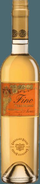 Der Tres Palmas Fino aus der Feder von Gonzalez Byass aus Andalusien offenbart im Glas eine dichte, goldgelbe Farbe. Schwenkt man das Weinglas, dann offenbart dieser Fortified Wine eine hohe Dichte und Fülle, was sich in deutlichen Kirchenfenstern am Glasrand zeigt. Der Gonzalez Byass Tres Palmas Fino präsentiert sich dem Wein-Genießer wunderbar trocken. Dieser Fortified Wine zeigt sich dabei nie grobschlächtig oder karg, wie man es bei einem Wein Icon-Wein Segment erwarten kann. Am Gaumen präsentiert sich die Textur dieses druckvollen Fortified Wine wunderbar schmelzig und dicht. Durch die moderate Fruchtsäure schmeichelt der Tres Palmas Fino mit samtigem Gefühl am Gaumen, ohne es gleichzeitig an saftiger Lebendigkeit missen zu lassen. Das Finale dieses Fortified Wine aus der Weinbauregion Andalusien, genauer gesagt aus Jerez DO, begeistert schließlich mit beachtlichem Nachhall. Der Abgang wird zudem von mineralischen Facetten der von Kalkstein dominierten Böden begleitet. Vinifikation des Tres Palmas Fino von Gonzalez Byass Der kraftvolle Tres Palmas Fino aus Spanien ist ein reinsortiger Wein, gekeltert aus der Rebsorte Palomino Fino. In Andalusien wachsen die Reben, die die Trauben für diesen Wein hervorbringen auf Böden aus Kalkstein. Der Tres Palmas Fino ist ein Alte Welt-Wein durch und durch, denn dieser Spanier atmet einen außergewöhnlichen europäischen Charme, der ganz klar den Erfolg von Weinen aus der Alten Welt unterstreicht. Die Weinbeeren für diesen Sherry aus Spanien werden, zum Zeitpunkt optimaler Reife, ausschließlich von Hand . Speiseempfehlung für den Tres Palmas Fino von Gonzalez Byass Dieser Spanier sollte am besten moderat gekühlt bei 11 - 13°C genossen werden. Er eignet sich perfekt als Begleiter zu Ossobuco, geschmortem Hähnchen in Rotwein oder Gemüse-Couscous mit Rinderfrikadellen. Auszeichnungen für den Tres Palmas Fino von Gonzalez Byass