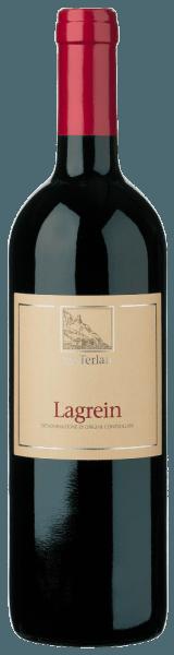 Der Lagrein Alto Adige DOC von Cantina Terlan präsentiert sich im Glas in einem dunklen Granatrot und begesitert mit seiner intensiven Fruchtaromatik mit Noten von Sauerkirschen und getrockneten Cranberries. Untermalt wird dieses Bouquet durch feinen Nuancen von Flieder, gekochtem Lorbeerblatt und Schokolade. Dieser harmonische Rotwein aus Südtirol umspielt den Gaumen mit seiner feinen Textur und den filigranen Gerbstoffen. Ein gehaltvoller Wein, der mit seiner Saftigkeit und dem samtigen Eindruck verführt. Vinifikation für den Lagrein Alto Adige DOC von Cantina Terlan Die von Hand gelesenen Trauben werden entrappt und anschließend bei kontrollierter Temperatur auf der Maische vergoren. Dies findet langsam und unter schonender Bewegung der Maische in Edelstahltanks statt. Der biologische Säureabbau und die Reife erfolgt in großen Holzfässern. Speiseempfehlung für den Cantina Terlan Lagrein Alto Adige DOC Genießen Sie diesen trockenen Rotwein zu Rinderrouladen, geschmorter Hirschkeule, Hartkäse oder zu gereiftem Parmesan. Auszeichnungen für den Lagrein von Cantina Terlan James Suckling: 91 Punkte für 2016; 92 Punkte für 2015 Vini Buoni d'Italia: 4 Sterne für 2013