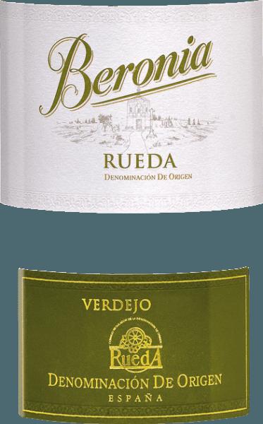 Der Verdejo von Beronia ist ein wundervoller, spanischer Weißwein aus dem Anbaugebiet Rueda. Ein strahlendes Hellgold mit grünlichen Highlights schimmert im Glas. Das Bouquet offenbart vielschichtige, ausdrucksstarke Aromen: angefangen von reifem gelbem Steinobst, tropischen Anklängen und frische Zitrusfrüchte, über frisch geschnittenes Gras, Kräutern und etwas Fenchel, bis hin zu blumigen Nuancen. Am Gaumen verbindet sich die herrliche Fruchtfülle mit den vegetabilen Noten zu einem perfekten Aromenspiel. Der Körper ist sehr saftig, vollmundig und wird von einer lebhaften Säure geschützt. Das Finale wird von der Verdejo-typischen dezenten Bitternote begleitet. Vinifikation des Beronia Verdejo Dieser spanische Weißwein wird mit Trauben aus zwei Reifephasen vinifiziert. Die ersten frühen Trauben werden schnellstmöglich eingebracht und im Weinkeller bei hohen Temperaturen im Stahltank vergoren. Dadurch gewinnt dieser Wein seine faszinierenden vegetabilen Noten. Das zweite Lesegut wird bei vollreifen Verdejo-Trauben gelesen. Die Gärung erfolgt bei diesem Most langsamer und bei niedrigeren Temperaturen im Stahltank. Mit diesem Gärprozess werden die intensiven Aromen perfekt herausgebildet. Abschließend werden beide Moste miteinander vermählt und ergeben so einen frischen, fruchtigen und charakterstarken Weißwein. Speiseempfehlung für den Rueda Verdejo von Beronia Genießen Sie diesen trockenen Weißwein aus Spanien zu nackigen Sommersalaten, vegetarischen Gemüsepfannen oder auch zu gegrilltem Fisch und hellem Fleisch. Aber auch Solo ist dieser Weißwein ein Genuss.