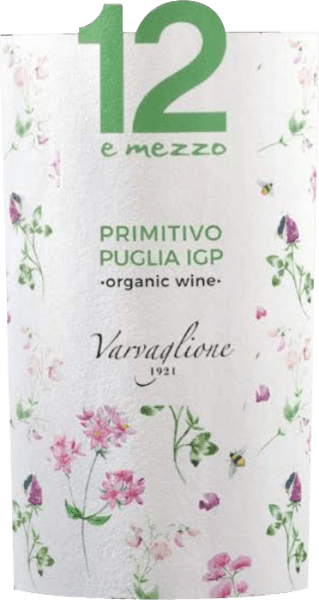 The organically produced 12 e Mezzo Primitivo Puglia Organic Wine from Varvaglione shines pleasantly cherry red with purple reflections in the glass. This extraordinary primitivo develops intense aromas of blackcurrant, blackberry and other black fruits. Fine nuances of nutmeg, liquorice, vanilla and a hint of cocoa make the bouquet of 12 e Mezzo Bio Primitivo Puglia even more complex. On the palate the Varvaglione 12 e Mezzo Primitivo Puglia IGP Organic Wine is wonderfully fresh, fruity and pleasing. Especially the fresh acidity, which is not really usual for Primitivo, makes this red wine the perfect companion for fatty meat dishes. Vinification of the 12 e Mezzo Bio Primitivo from Varvaglione For this series Marzia, Angelo and Francesca clearly have the biggest problem that some wine drinkers have with red wine from Apulia - the high alcohol content. For their 12 e Mezzo series, the three of them already submitted in their name to a strict target, because the wines should not have more than 12.5% vol. By harvesting a part of the grapes very early, a moderate alcohol content is guaranteed and, in addition, a freshness is ensured that many a red from southern Italy lacks. After harvesting and selecting the organically produced grapes, fermentation takes place in stainless steel tanks. The 12 e Mezzo Primitivo Puglia Organic Wine then matures for a few months in French oak barrels and thus gains even more complexity. Recommended food for the Varvaglione Primitivo Organic Wine of the 12 e Mezzo Series Enjoy this pleasantly elegant organic red wine from Apulia with Pulled Pork with fiery spicy rub, with lamb ragout with coscous and fresh lamb salad or just for fun. Awards for the 12 e Mezzo Primitivo from Varvaglione Concours Mondial de Bruxelles: Silver for 2016 Berlin Wine Trophy: Silver for 2016 Mundus Vini: Silver for 2016