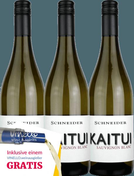 DerKaitui Sauvignon Blanc von Markus Schneider aus dem deutschen Weinanbaugebiet Pfalz ist ein rebsortenreiner, ausdrucksvoller und unvergesslicher Weißwein. Sortentypische Aromen nehmen sofort die Nase und den Gaumen ein. Dabei entfaltet sich ein feiner Schmelz, der von mineralischen Nuancen perfekt untermalt wird. Genießen auch Sie jetzt die deutsche Antwort auf den neuseeländischen Sauvignon Blanc in unserem 3er Vorteilspaket. Mehr über diesen trockenen Weißwein aus Deutschland können Sie in der Expertise des Markus Schneider Kaitui nachlesen.