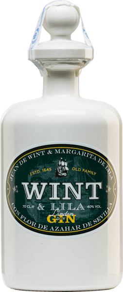 Der London Dry Gin von Wint & Lila ist der spanischen Familie Wint & Lila gewidmet. Diese Familie hat im 17. Jahrhundert die East India Companies im Süd-Spanien gegründet. Nur die besten Botanicals und Gewürze werden für diesen Gin verwendet. Schon in der Nase entfaltet sich eine wundervoll blumige Aromatik, die von würzigen Anklängen begleitet wird. Den Gaumen überzeugt dieser Gin mit seinem frischen und mediterranen Charakter. Herstellungsverfahren desWint & LilaLondon Dry Gin Als Basis für diesen spanischen Gin wird Wacholder genommen. Dazu kommen unter anderemKoriander, Echter Engelwurz und Zimt. Für die frische am Gaumen und das Einzigartige an diesem Gin sind die heimischen Botanicals wieOrangenschalen, Orangenblüten, Zitronen, Limetten und Pfefferminz aus Andalusien. In jahrhundertalten Kupferblasen nach der Methode 'au bain marie' werden die Botanicals miteinander verschmolzen. Das Destillat wird insgesamt fünffach destilliert. Serviervorschlag für den London Dry Gin Wint & Lila Genießen Sie diesen Gin aus Spanien gerne Solo oder auch in Ihrem Lieblings-Longdrink. Die Serviertemperatur können Sie nach Ihrem Belieben entscheiden.
