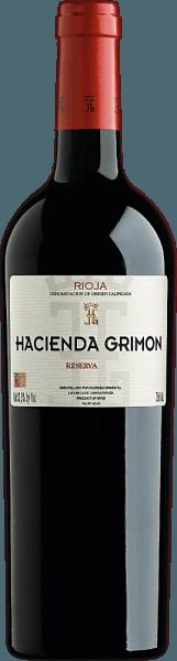 Der Reserva DOCa von Hacienda Grimon erstrahlt in einem tiefen Rubinrot mit purpurnen Reflexen. In der Nase entfaltet sich ein wunderbarer Duft nach reifen roten und dunklen Früchten (Kirschen, Brombeeren) unterlegt von Vanille und Pfeifentabak, kombiniert mitgerösteten, süßen Kaffeebohnen. Ein frischer, junger Auftakt geht in einenvon roten Früchten, Lakritz und Vanille geprägten Gaumen über.Der Wein besitzt eine schöne Struktur, eine angenehme Säure und einen runden, langen Abgang mit reifen, eleganten Tanninen. Wir empfehlen ihn zu Wintergemüse, Entenkeule,Lammbraten und Wildschwein.