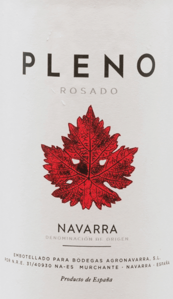 The bright pink colour of the Pleno Rosado from Bodegas Agronavarra is reminiscent of fresh strawberries, which also characterise the fruity, fresh and pleasantly fragrant bouquet. In addition, aromas of raspberries and elderflower blossoms, refined with subtle spicy nuances of balm and mint. On the palate, this uncomplicated rosé impresses with lots of juicy fruit and freshness as well as a compact acid structure and discreet tannins. Vinification of Pleno Rosado The Garnacha grapes are harvested by machine and manually and are ground and fermented at a controlled temperature in stainless steel tanks. The wine is then refined in the tank for a few months and then bottled. Food recommendation for Agronavarra Pleno Rosado We recommend this wonderful Garnacha Rosé from Navarre in the north of Spain with salads, pizza, pasta with dark sauces, grilled dishes and fish.