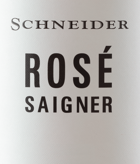 The Saigner Rosé from Markus Schneider from the Palatinate, offers a brilliant, strong rosé-red colour in the tilted glass. At a closer look, we also see beautiful red-golden highlights. This German cuvée reveals in the glass wonderfully youthful notes of mulberry, blackcurrant, blueberry and blackberry. To this are added notes of other fruits. It inspires with its elegant dry taste and was bottled with 5.0 grams of residual sugar. As one can expect, this German wine naturally enchants with the finest balance in all dryness. Excellent taste does not necessarily require a lot of residual sugar. Light-footed and multi-layered, this crisp rosé wine presents itself on the palate. The Saigner Rosé presents itself fantastically fresh and lively on the palate through its concise fruit acidity. In the finish, this rosé wine from the wine-growing region of the Palatinate finally inspires with good length. There are again hints of blueberry and mulberry. Vinification of the Saigner Markus Schneider Rosé This elegant rosé wine from Germany is made from the grape varieties Blaufränkisch, Cabernet Dorsa, Cabernet Franc, Cabernet Sauvignon, Merlot and Syrah. In the Palatinate, the vines that produce the grapes for this wine grow on soils of sedimentary and weathered rock. After the harvest, the grapes are taken to the press house by the quickest route. Here they are sorted and carefully broken up. This is followed by fermentation in stainless steel tanks and small wooden tanks at controlled temperatures. The fermentation is followed by a maturation on the fine yeast for several months before the wine is finally drawn off. Recommended food for the Schneider Saigner Rosé Drink this rosé wine from Germany ideally well chilled at 8 - 10°C as an accompaniment to wok vegetables with fish, omelette with salmon and fennel or spaghetti with yoghurt mint pesto.