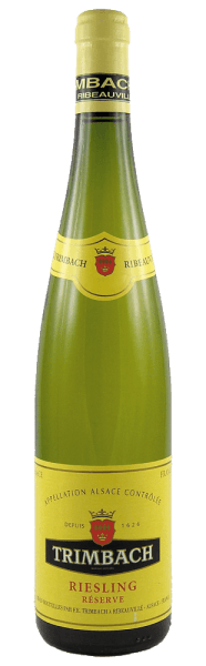 The Riesling Réserve by F.E. Trimbach shines in a bright golden yellow. The delicate yet multi-layered bouquet is reminiscent of peach, yellow and green apple, grapefruit, lemon, honeysuckle, some (forest) honey, chamomile and a subtle herbal spiciness. The taste of this dry, straightforward wine with a lively and at the same time ripe and fresh fruit, a powerful acidity and a distinctive minerality. Overall, it looks so extremely elegant, balanced and precise with a nice length and slightly spicy spice on the finish. Serve it with seafood, oysters and gastronomic specialties from Alsace such as fine fish dishes (grilled, roasted, smoked, poached with fine cream sauce), poultry (fried or braised as coq au riesling), veal, roast pork and spicy choucroute garnie (garnishedSauerkraut).
