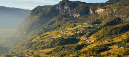 Imposante Landschaft für authentische Weine von Peter Zemmer