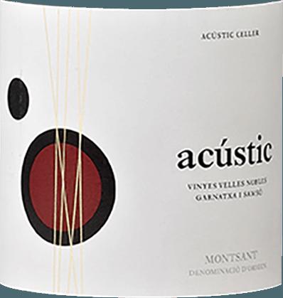 Der im Fass ausgebaute Acústic Montsant aus der Weinbau-Region Katalonien offeriert sich im Glas in dichtem Purpurrot. Idealerweise in ein Rotweinglas eingegossen, zeigt dieser Rotwein aus der Alten Welt herrlich ausdrucksstarke Aromen nach Schattenmorelle, Pflaume, Zwetschke und Schwarzkirsche, abgerundet von luftgetrocknetem Schinken, Waldboden und sonnenwarmen Gestein, die der Fassausbau beisteuert. Dieser trockene Rotwein von Bodegas Acústic ist genau das Richtige für Weintrinker, die am liebsten 0,0 Gramm Restzucker in ihrem Wein hätten. Der Acústic Montsant kommt dem bereits sehr nahe, wurde er doch mit gerade einmal 0,5 Gramm Restzucker vinifiziert. Druckvoll und komplex präsentiert sich dieser dichte Rotwein am Gaumen. Durch die ausgeglichene Fruchtsäure schmeichelt der Acústic Montsant mit samtigem Gaumengefühl, ohne es gleichzeitig an Frische missen zu lassen. Das Finale dieses gut reifungsfähigen Rotweins aus der Weinbauregion Katalonien, genauer gesagt aus Montsant, begeistert schließlich mit beachtlichem Nachhall. Der Abgang wird zudem von mineralischen Facetten der von Lehm und Sand dominierten Böden begleitet. Vinifikation des Acústic Montsant von Bodegas Acústic Grundlage für den kraftvollen Acústic Montsant aus Katalonien sind Trauben aus den Rebsorten Carignan und Garnacha. Die Trauben wachsen unter optimalen Bedingungen in Katalonien. Die Reben graben hier ihre Wurzeln tief in Böden aus Lehm, Sand, Schiefer und Kies. Die Weinbeeren für diesen Rotwein aus Spanien werden, zum Zeitpunkt optimaler Reife, ausschließlich von Hand gelesen. Nach der Weinlese gelangen die Trauben auf schnellstem Wege ins Presshaus. Hier werden Sie sortiert und behutsam gemahlen. Anschließend erfolgt die Gärung im kleinen Holz bei kontrollierten Temperaturen. Nach ihrem Ende wird der Acústic Montsant noch für 10 Monate in Barriques aus französischer Eiche ausgebaut. Speiseempfehlung für den Acústic Montsant von Bodegas Acústic Trinken Sie diesen Rotwein aus Spanien am beste